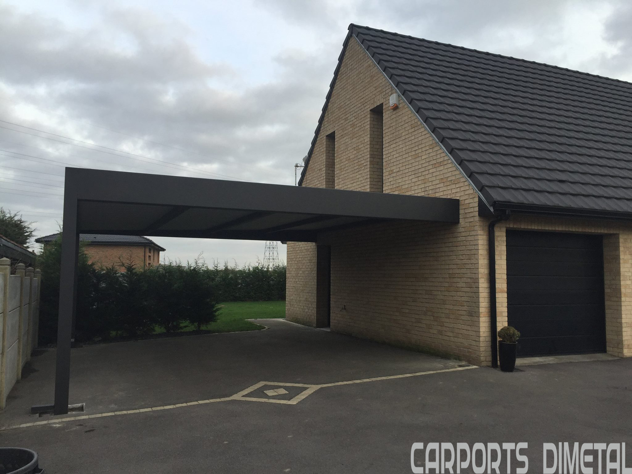 Carport aluminium tori portails for Attractive carport