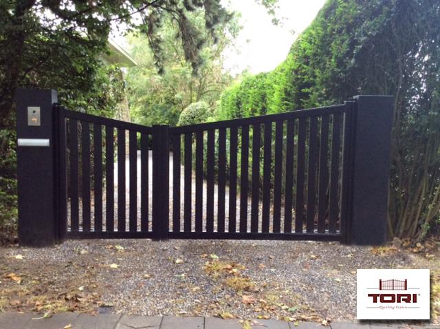 Portail aluminium de jardin tori portails - Portail de jardin ...