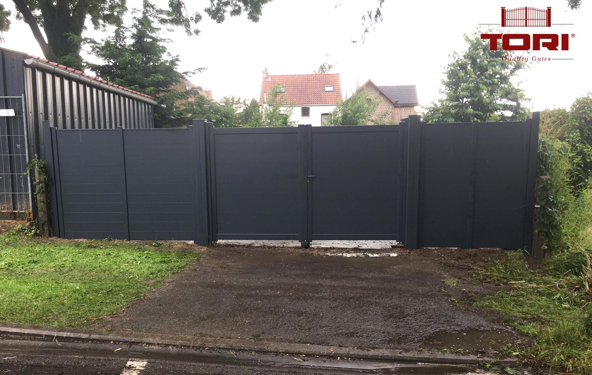 Portail et palissades aluminium tori portails for Portail de jardin aluminium
