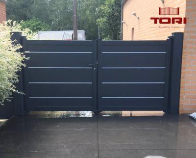 portail aluminium coulissant et son portillon tori portails. Black Bedroom Furniture Sets. Home Design Ideas